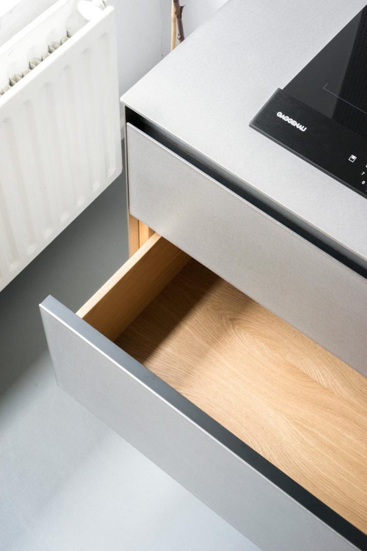 MK 1 Kitchen - Gaggenau cooktop and solid oak-wood interior