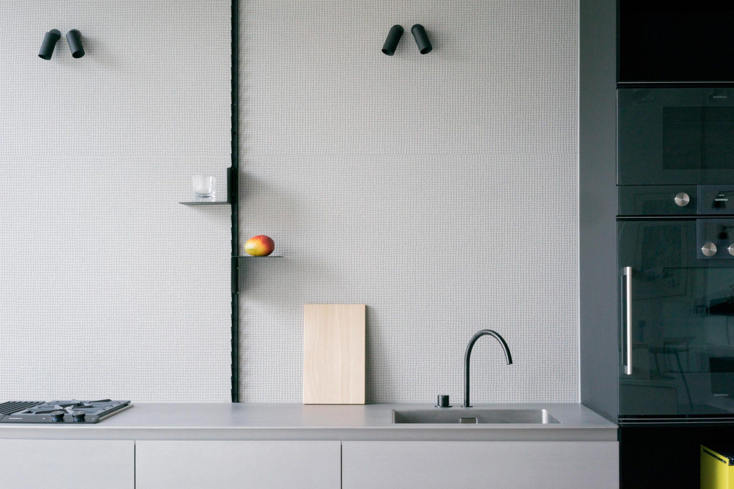 MK 1 Kitchen with grey, textured Mutina tiles backsplash
