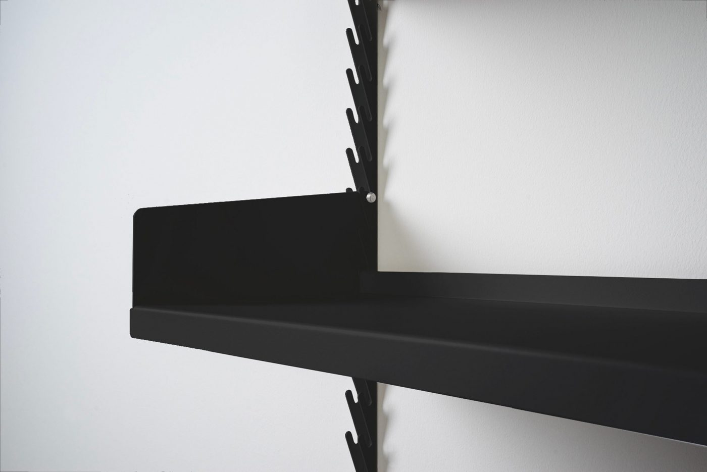 MYKILOS EVEN BETTER SHELF BLACK DETAIL1 scaled