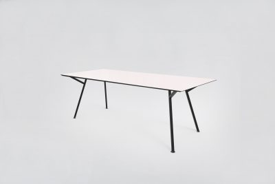 Egon Table / Black Base