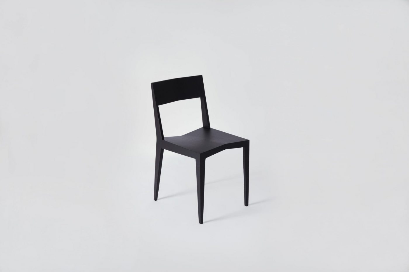 15 MYKILOS WOODEN WOOD DESIGN DESIGNER STUHL HOLZ CHAIR BLACK SCHWARZ NATURAL OILD SCHWARZ scaled