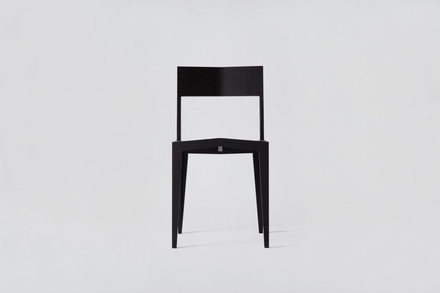 18 MYKILOS WOODEN WOOD DESIGN DESIGNER STUHL HOLZ CHAIR BLACK SCHWARZ NATURAL OILD SCHWARZ scaled