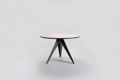 09 MYKILOS BUSY TABLE ROUND BLACK FRAME GESTELL LINOLEUM scaled