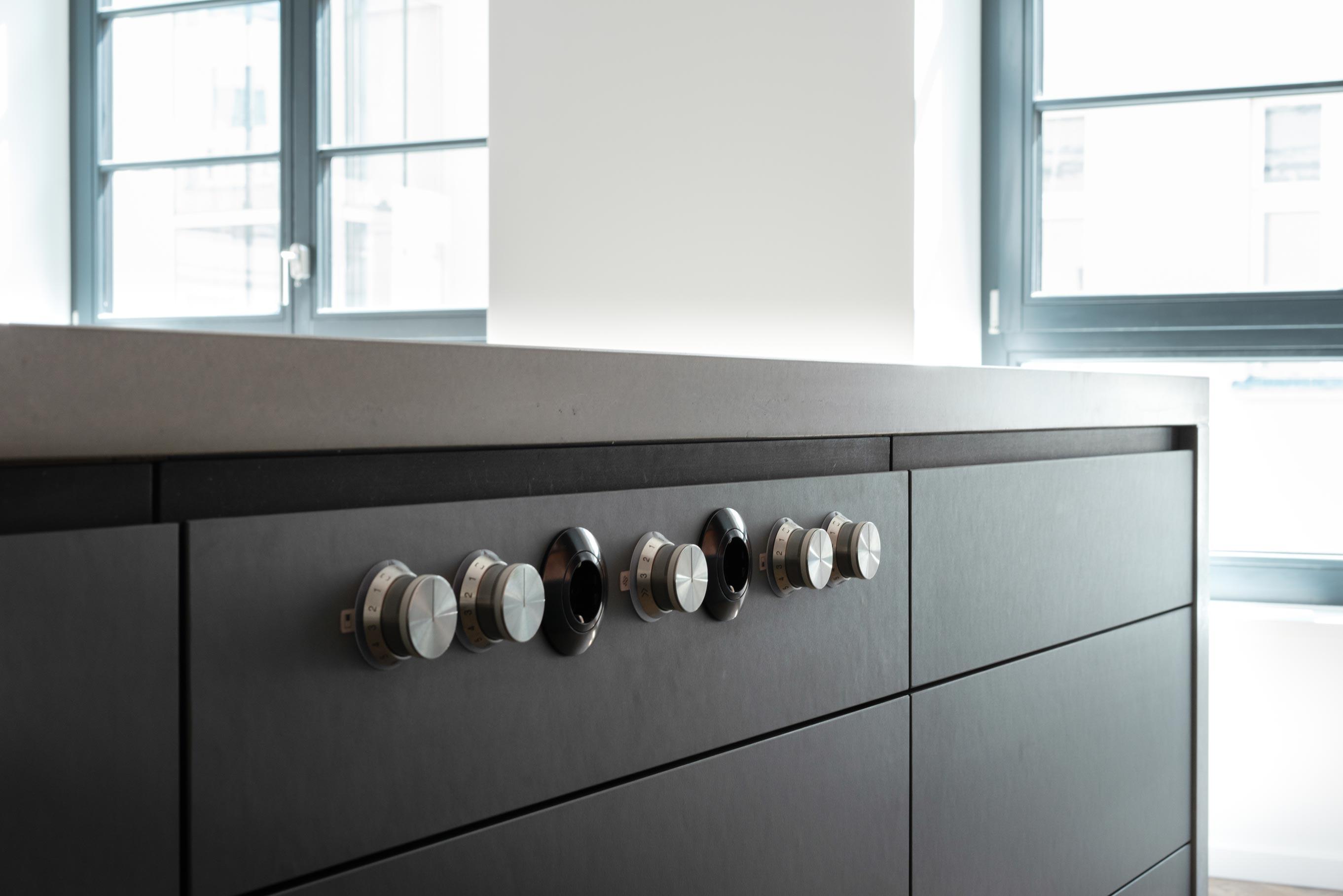 Kücheninsel mit Betonplatte