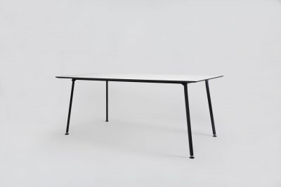 01 EASY TABLE SQUARE BLACK SCHWARZ ROSA GRUEN WEISS WHITE ROSE GREEN HPL LINOLEUM TISCH MODERN MYKILOS scaled